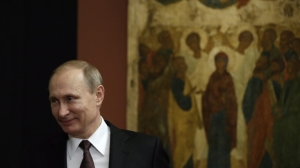 Vladimir Putin visits Byzantine and Christian museum in Athens